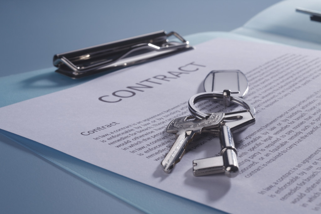 close of the key on the contract form